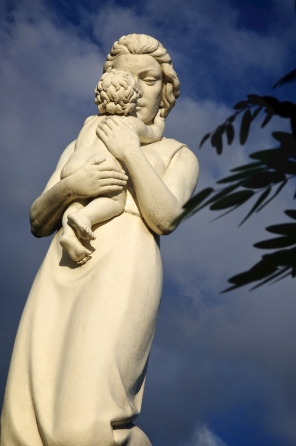 Mother Statue in San Juan Park