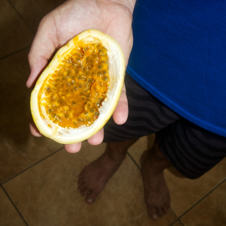 Mercado Monday: Passion Fruit (Calala or Maracuya)